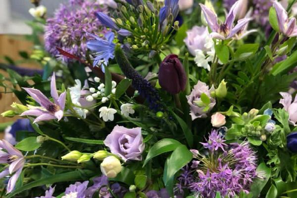 Suaze-uitvaart-bloemen-06